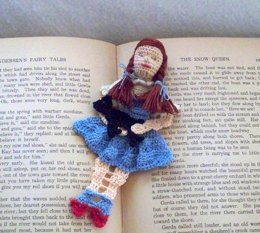 Dorothy and Toto of Kansas Bookmark Pattern