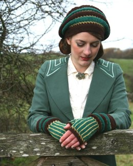 Alconleigh Hat and Gauntlets in Susan Crawford Fenella 2 Ply