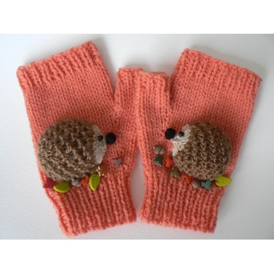 Hedgehog Mittens Knitting pattern by LCMknits