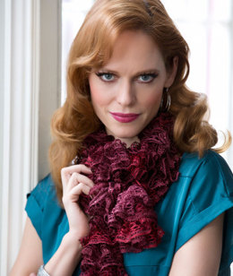 Sparkle & Shine Scarf in Red Heart Boutique Sashay Sequins - LW3703 - Downloadable PDF