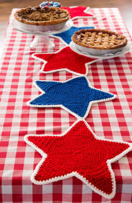 Americana Star Table Runner in Red Heart Super Saver Economy Solids - LW4758 - Downloadable PDF