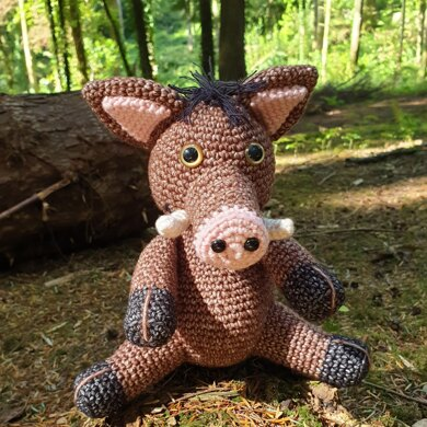 Boris the Boar - US Terminology - Amigurumi