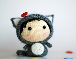 Gray Girl-Cat ( knitted round ). Toy from the Tanoshi series.