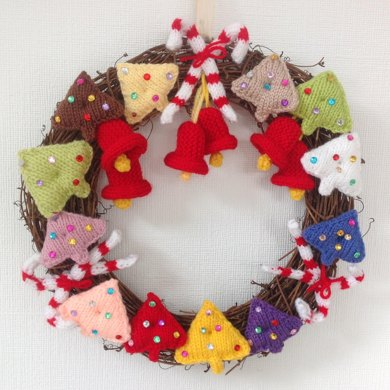 A Festive Christmas Wreath Knitting Pattern By Iknitdesigns