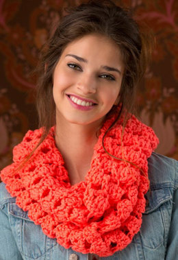 Turn Up the Volume Cowl in Red Heart Heads Up - LW4514 - Downloadable PDF
