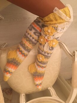 Yellow and grey knee woman socks with flowers