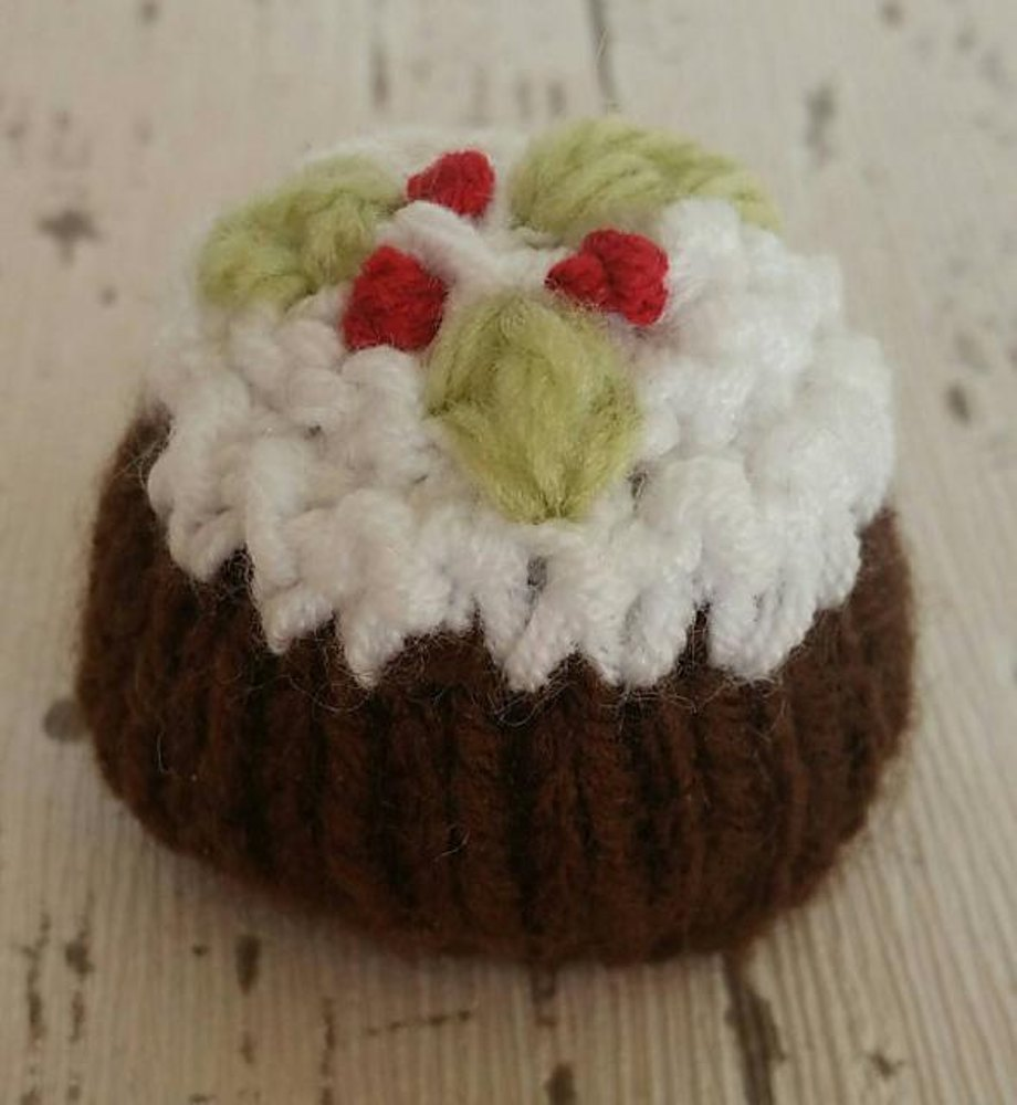 Christmas pudding ferrero rocher cover cosy knitting pattern by zoom bankloansurffo Image collections