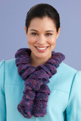 One Ball Twirly Scarf in Lion Brand Imagine - L20590
