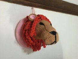 Lion head hunting trophy amigurumi
