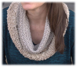 Tuck Stitch Cowl in Plymouth Yarn Arequipa Aventura and Worsted - 3050 - Downloadable PDF