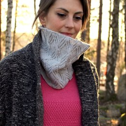 Stone Roots Cowl