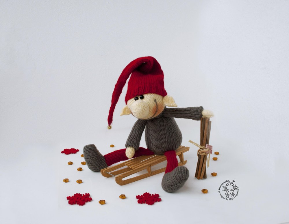 Elf Knitting Hearts : Christmas elf doll knitting pattern by simplytoys