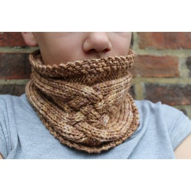 Criss Cross Cabled Cowl