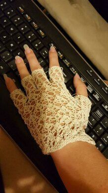 Victorian Lace Gloves