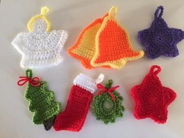 Free Christmas Garlands and Motifs