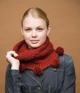 Knifty Knitter Cowl with Pom-Poms in Lion Brand Jiffy - 60438