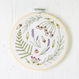 Hawthorn Handmade Wildwood Contemporary Embroidery Kit - 16cm in diameter