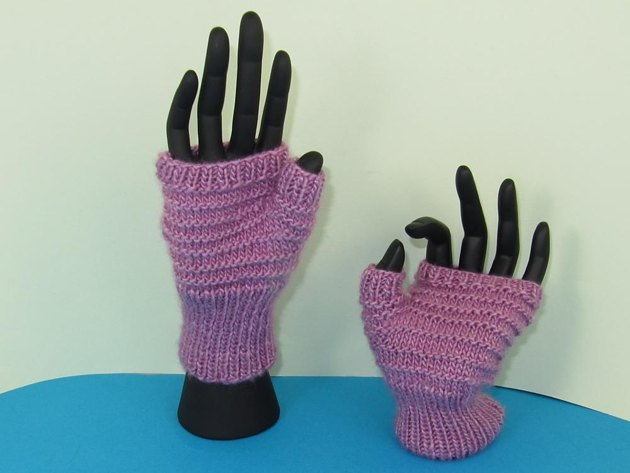 Patons Knitting Patterns For Fingerless Gloves : Simple Stripey Fingerless Gloves Knitting pattern by ...