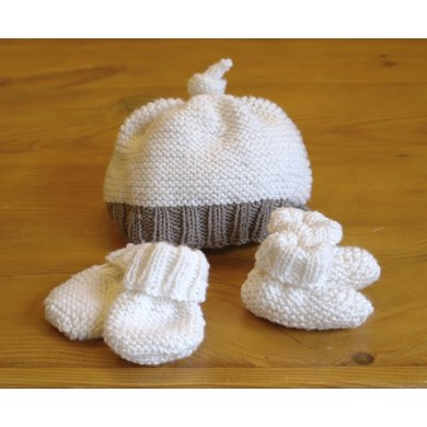 Easy Baby Hat Booties Mittens Set Knitting Pattern By Sproglets Kits