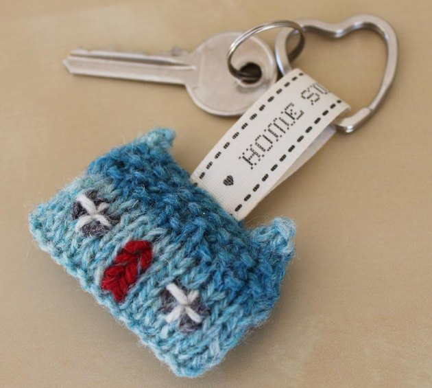 Home Sweet Home Wee House Brooch and Key Ring Knitting ...