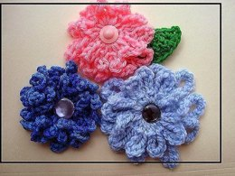 580 LOOPY Flower & leaf applique or brooch