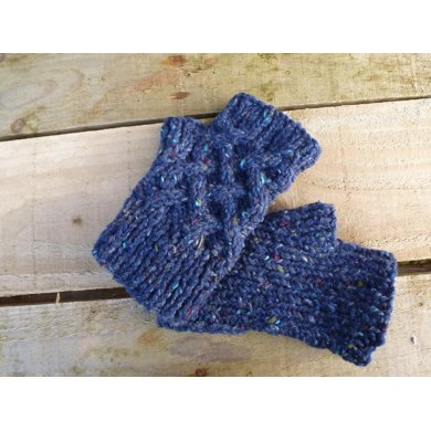 Mens Celtic cable Handwarmers