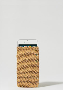 Speechless Phone Case in Wool and the Gang Ra-Ra-Rafia - Downloadable PDF