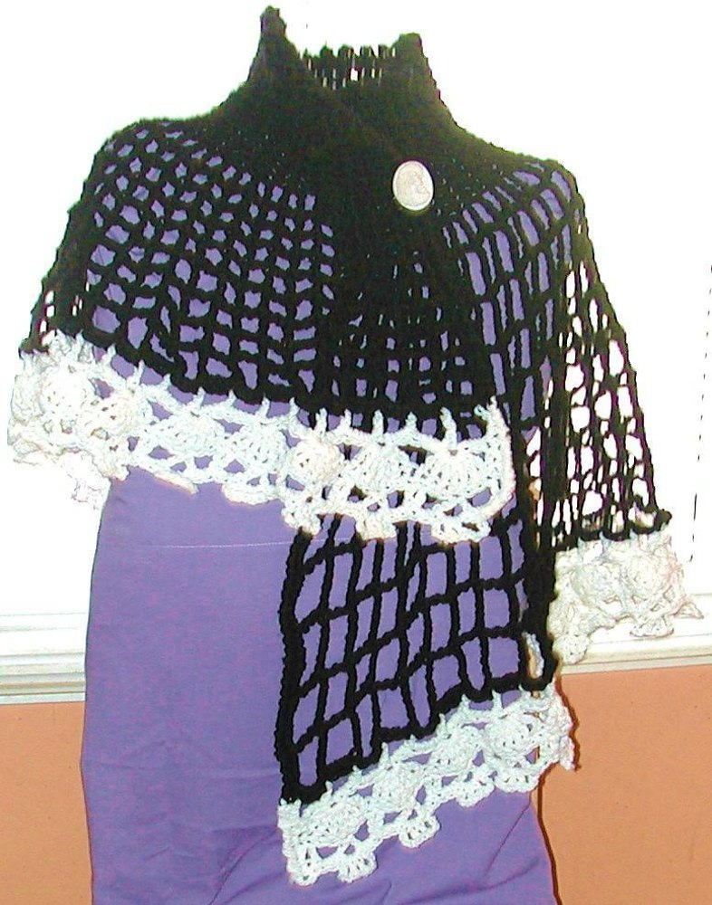 Wicked A Creepy Skull Asymetrical Capelet Crochet Pattern By Spider