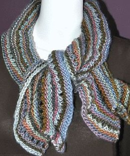 Scalloped Soft Coral Scarf in Crystal Palace Yarns Mochi Plus