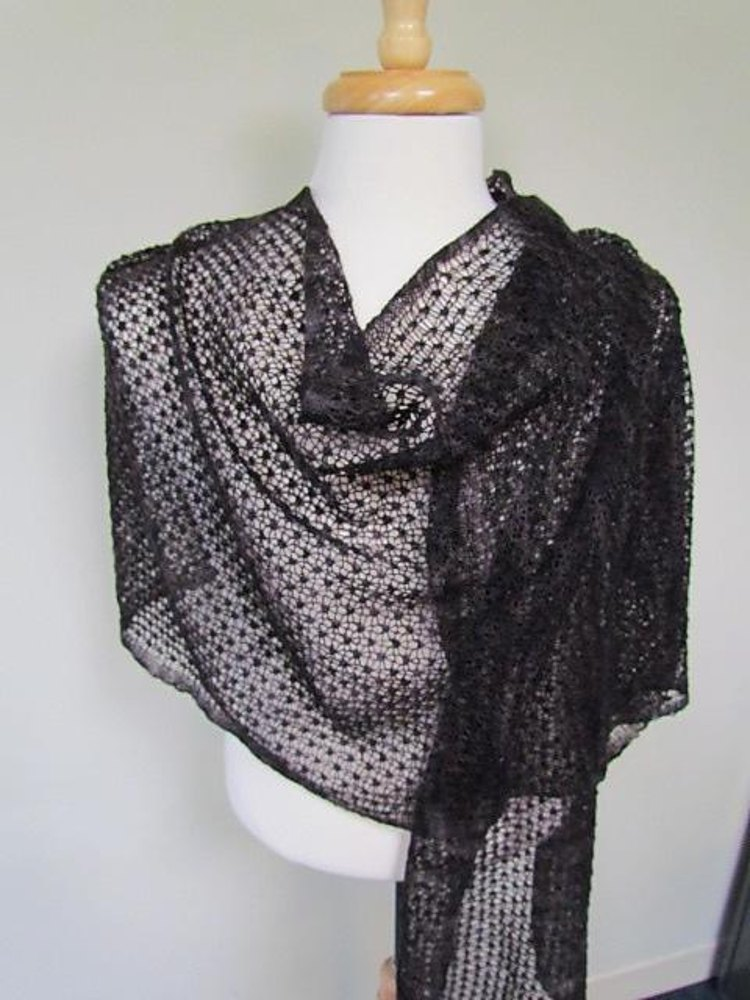 Pebbly Mesh Lace Wrap Amp Scarf Knitting Pattern By Knitting