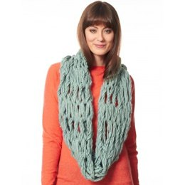 Arm Knit Cowl in Bernat Roving