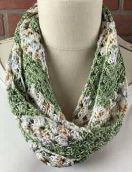 The EASY Ripple Granny Square Scarf