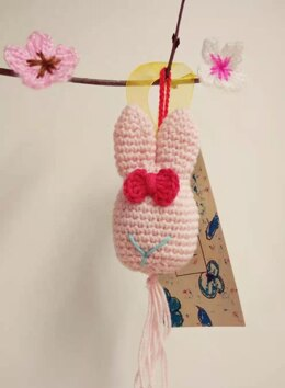 Easter Bunny Pendant using PaintBox Cotton DK