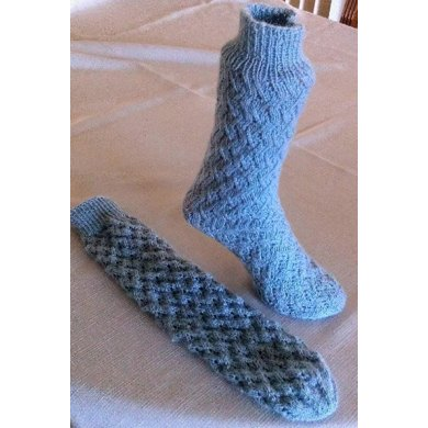 EZ Ladies Lacy Zig Zag Tube Socks