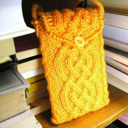 EReader Cabled Cozy
