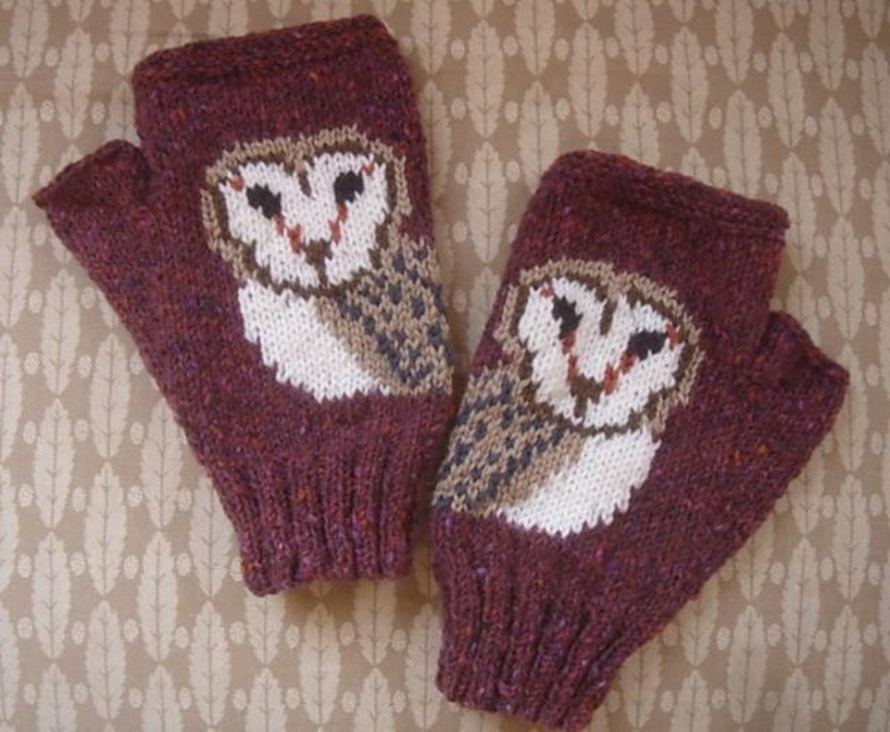 Owl Face fingerless mitts/gloves Knitting pattern by ...