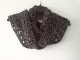 V Shell Lace Seamless Infinity Scarf