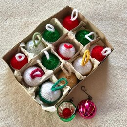 Christmas Bauble Tree Decoration in King Cole Glitz DK
