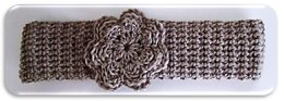 Knotted Knitlook Headband with Flower Trim