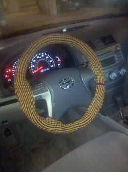 Steering Wheel Cozy in Lion Brand Wool-Ease - L0087AD