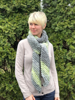 Diagonal Scarf  in Plymouth Yarn Mega Cakes - F859 - Downloadable PDF