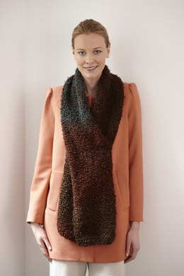 Simple One Ball Scarf in Lion Brand Homespun Thick & Quick - L30125G