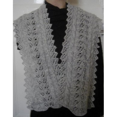 Twin Leaf and cable scarf with lacy pointed edgings