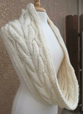 Chunky Cable Infinity Scarf Knitting Pattern By Laura Seekatz