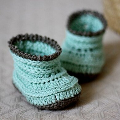 Knit-look Baby Boots