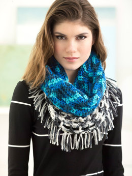 Clearwater Cowl in Lion Brand Color Waves - L60029