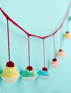 Pompom Cupcake Garland in Bernat Super Value