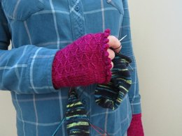 Quilted Spring Fingerless Mittens