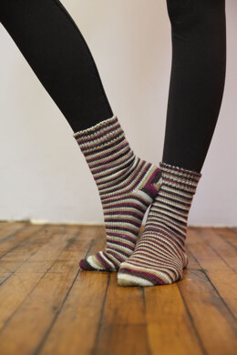 Basic Socks in Plymouth Yarn Andes Socks - F841 - Downloadable PDF