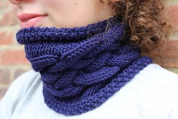 Double Dutch Cabled Cowl